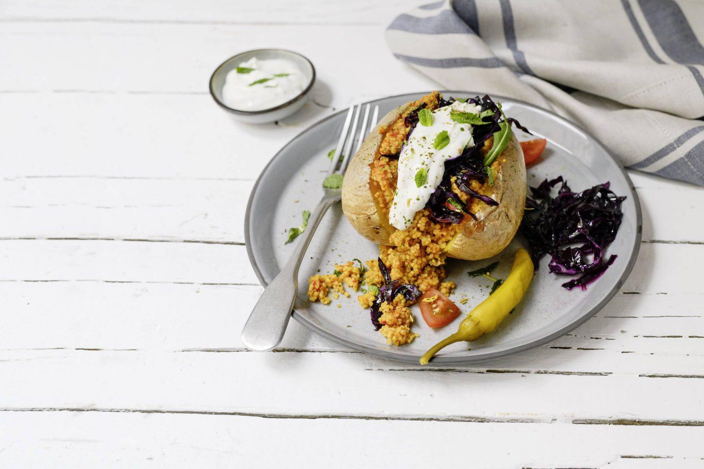 Ofenkartoffel mit Paprika Couscous und VEGGY Classic